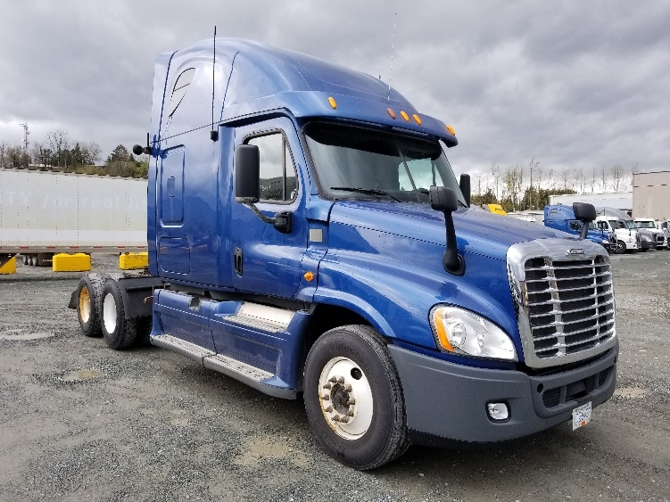 Sleeper Tractor-Heavy Duty Tractors-Freightliner-2013-Cascadia 12564ST-ABBOTSFORD-BC-678,729 km-$47,500