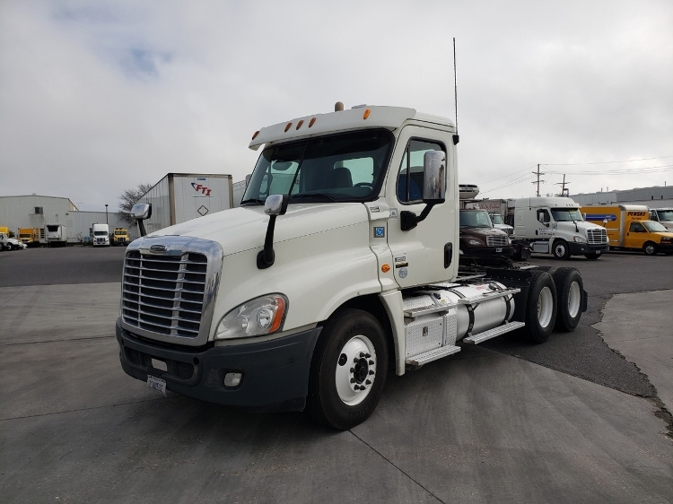 Day Cab Tractor-Heavy Duty Tractors-Freightliner-2013-Cascadia 12564ST-HAMMOND-LA-260,588 miles-$54,750