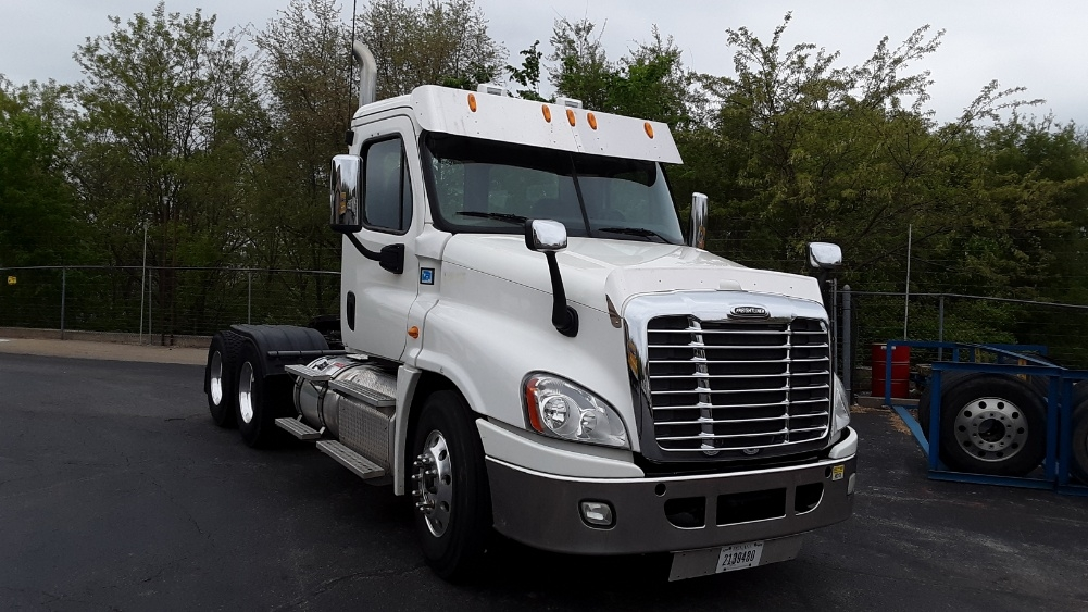 Day Cab Tractor-Heavy Duty Tractors-Freightliner-2013-Cascadia 12564ST-KING OF PRUSSIA-PA-144,891 miles-$53,750