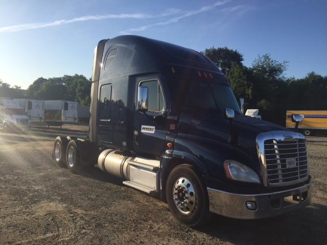 Sleeper Tractor-Heavy Duty Tractors-Freightliner-2014-Cascadia 12564ST-PENNSAUKEN-NJ-521,665 miles-$53,000