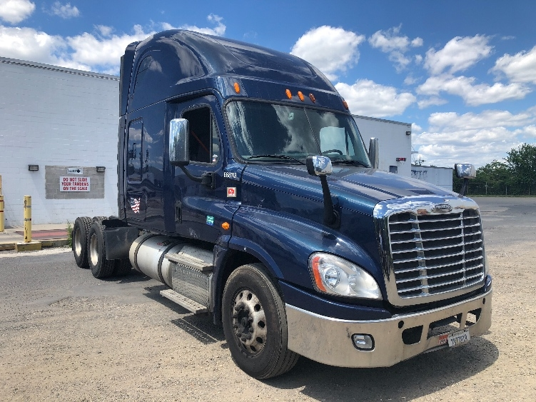 Sleeper Tractor-Heavy Duty Tractors-Freightliner-2014-Cascadia 12564ST-PENNSAUKEN-NJ-474,000 miles-$55,750