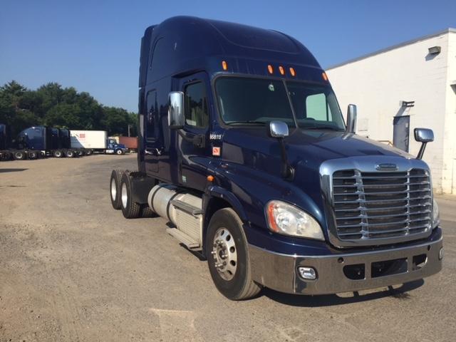 Sleeper Tractor-Heavy Duty Tractors-Freightliner-2014-Cascadia 12564ST-PENNSAUKEN-NJ-552,000 miles-$48,750
