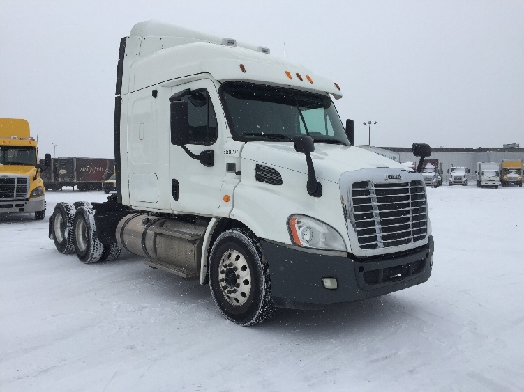 Sleeper Tractor-Heavy Duty Tractors-Freightliner-2013-Cascadia 11364ST-SAINT LAURENT-PQ-412,731 km-$47,000