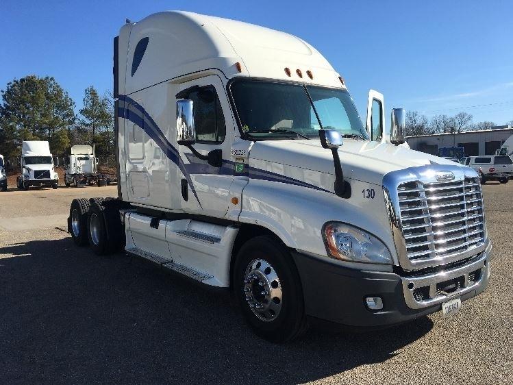Sleeper Tractor-Heavy Duty Tractors-Freightliner-2014-Cascadia 12564ST-BELDEN-MS-540,546 miles-$53,000