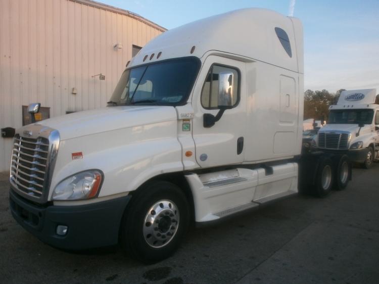 Sleeper Tractor-Heavy Duty Tractors-Freightliner-2014-Cascadia 12564ST-BELDEN-MS-567,929 miles-$51,500