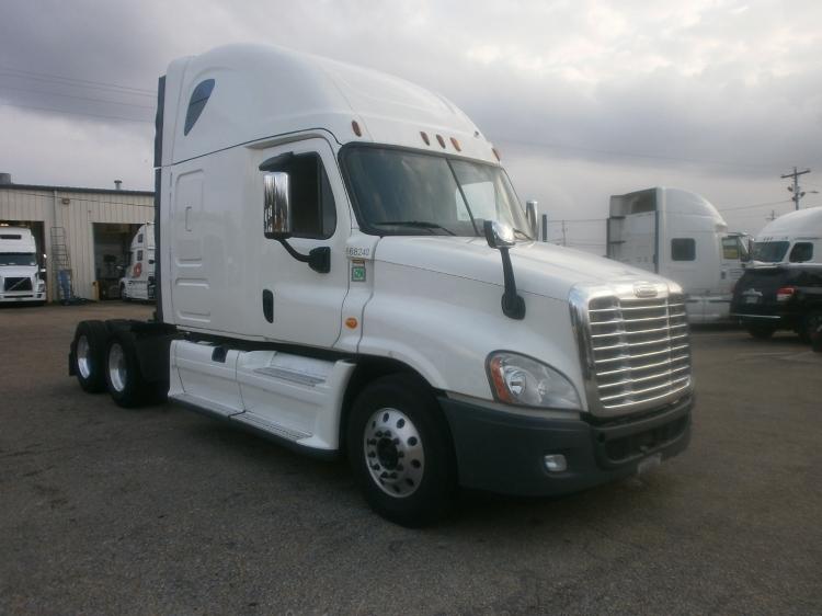 Sleeper Tractor-Heavy Duty Tractors-Freightliner-2014-Cascadia 12564ST-BELDEN-MS-557,037 miles-$52,000