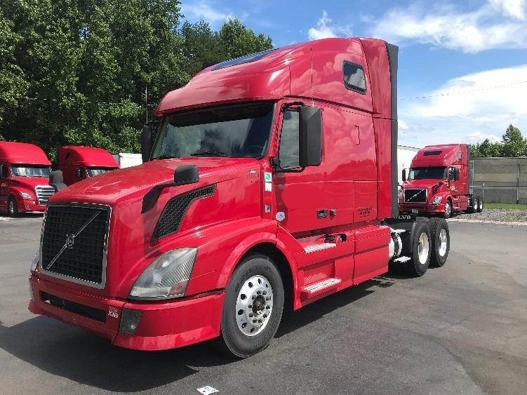 Sleeper Tractor-Heavy Duty Tractors-Volvo-2014-VNL64T670-MEBANE-NC-509,744 miles-$61,500