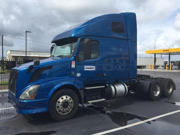 Sleeper Tractor-Heavy Duty Tractors-Volvo-2014-VNL64T670-MOBILE-AL-394,798 miles-$48,250