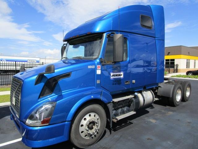 Sleeper Tractor-Heavy Duty Tractors-Volvo-2014-VNL64T670-MOBILE-AL-495,623 miles-$42,000