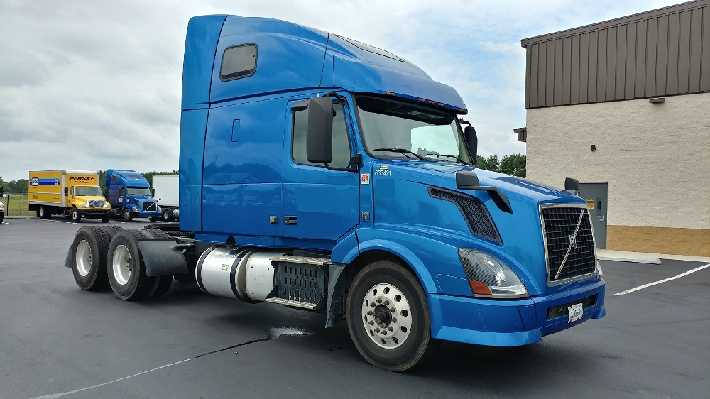 Sleeper Tractor-Heavy Duty Tractors-Volvo-2014-VNL64T670-MOBILE-AL-352,156 miles-$46,500