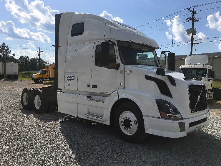 Sleeper Tractor-Heavy Duty Tractors-Volvo-2014-VNL64T670-RICHLAND-MS-512,544 miles-$47,000