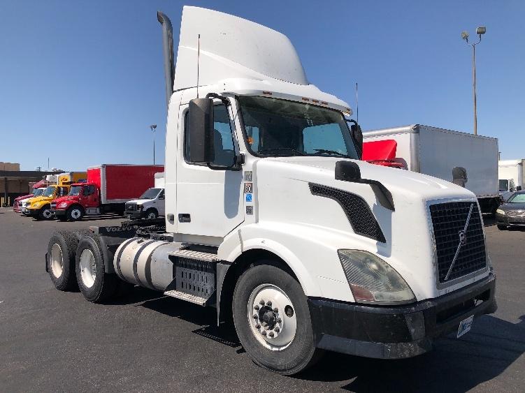 Day Cab Tractor-Heavy Duty Tractors-Volvo-2014-VNL64T300-LAS VEGAS-NV-163,805 miles-$46,750