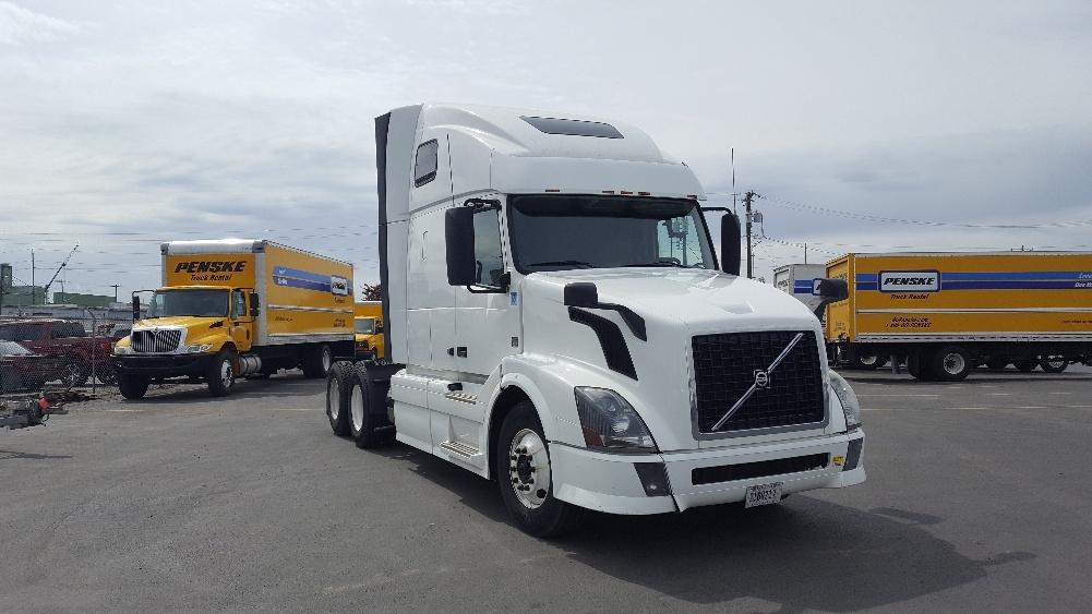 Sleeper Tractor-Heavy Duty Tractors-Volvo-2014-VNL64T670-SPOKANE VALLEY-WA-322,992 miles-$41,250