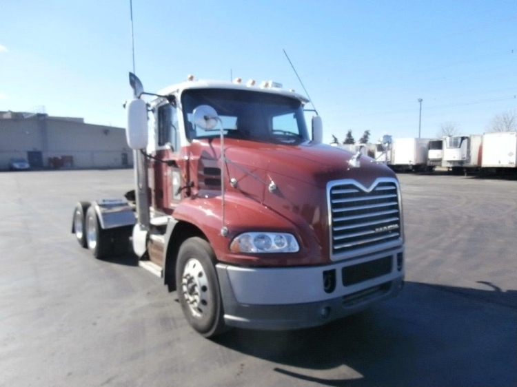 Day Cab Tractor-Heavy Duty Tractors-Mack-2013-CXU613-MISSISSAUGA-ON-767,774 km-$52,750