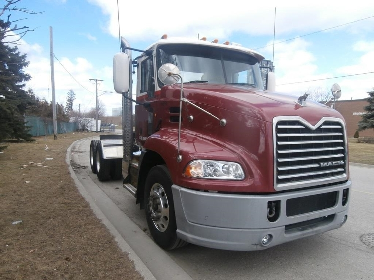 Day Cab Tractor-Heavy Duty Tractors-Mack-2013-CXU613-MISSISSAUGA-ON-515,351 km-$54,250