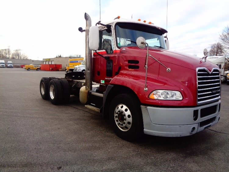 Day Cab Tractor-Heavy Duty Tractors-Mack-2013-CXU613-LONDON-ON-967,540 km-$48,750