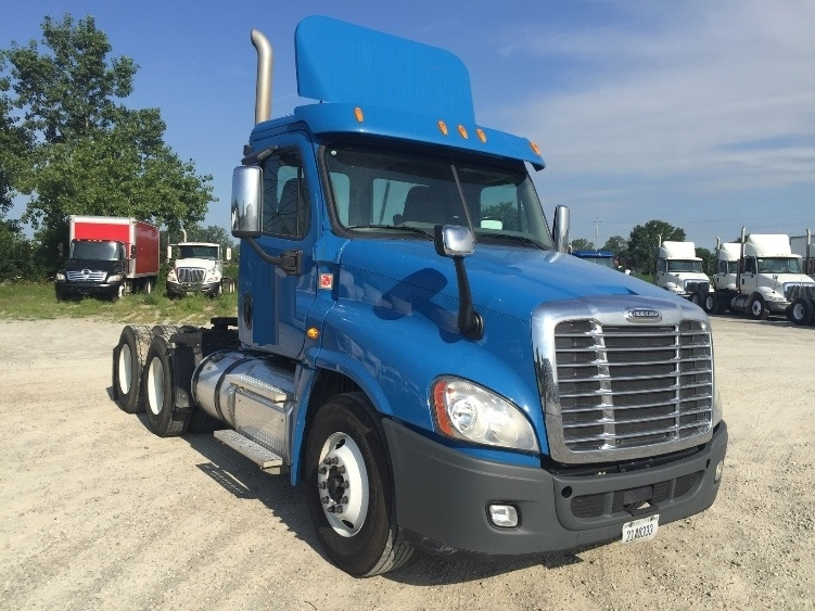 Day Cab Tractor-Heavy Duty Tractors-Freightliner-2013-Cascadia 12564ST-ERLANGER-KY-246,337 miles-$44,500