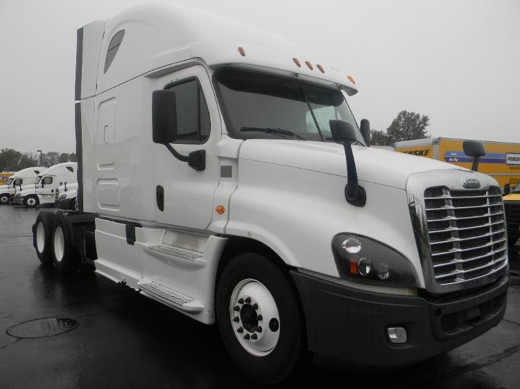 Sleeper Tractor-Heavy Duty Tractors-Freightliner-2014-Cascadia 12564ST-WATERBURY-CT-497,438 miles-$48,500