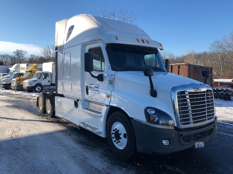 Sleeper Tractor-Heavy Duty Tractors-Freightliner-2014-Cascadia 12564ST-CHICOPEE-MA-505,526 miles-$45,500