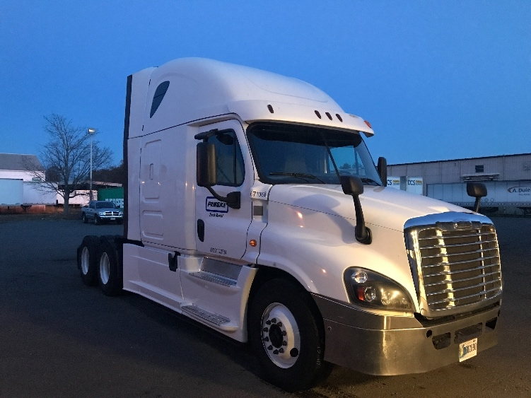 Sleeper Tractor-Heavy Duty Tractors-Freightliner-2014-Cascadia 12564ST-ELKHART-IN-438,260 miles-$50,750