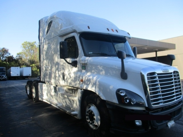 Sleeper Tractor-Heavy Duty Tractors-Freightliner-2014-Cascadia 12564ST-BALTIMORE-MD-422,477 miles-$56,500