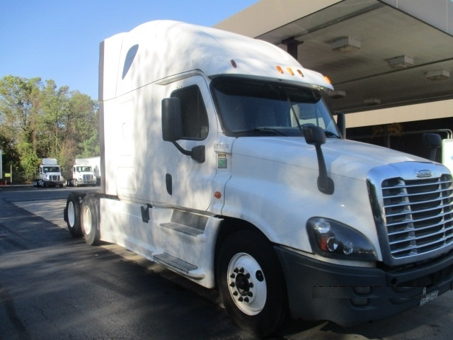 Sleeper Tractor-Heavy Duty Tractors-Freightliner-2014-Cascadia 12564ST-BALTIMORE-MD-455,740 miles-$55,000