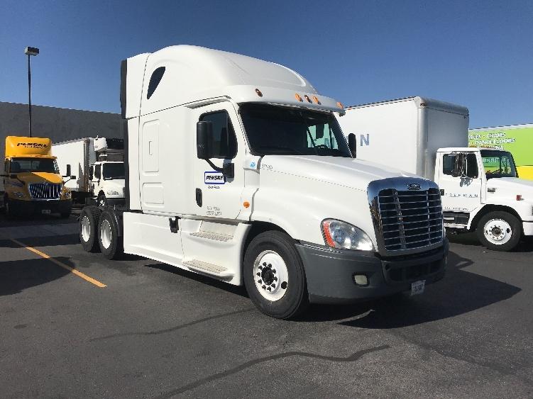 Sleeper Tractor-Heavy Duty Tractors-Freightliner-2014-Cascadia 12564ST-LAS VEGAS-NV-576,853 miles-$46,000