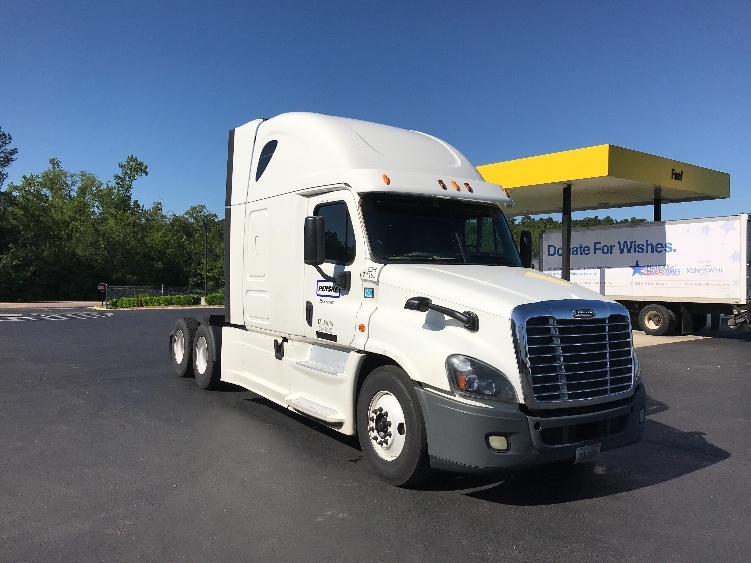 Sleeper Tractor-Heavy Duty Tractors-Freightliner-2014-Cascadia 12564ST-ALABASTER-AL-570,786 miles-$37,000