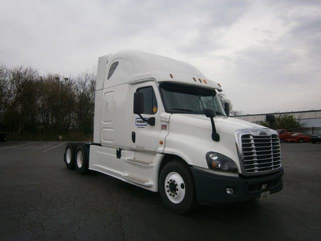 Sleeper Tractor-Heavy Duty Tractors-Freightliner-2014-Cascadia 12564ST-HUNTINGTON-WV-515,243 miles-$42,000