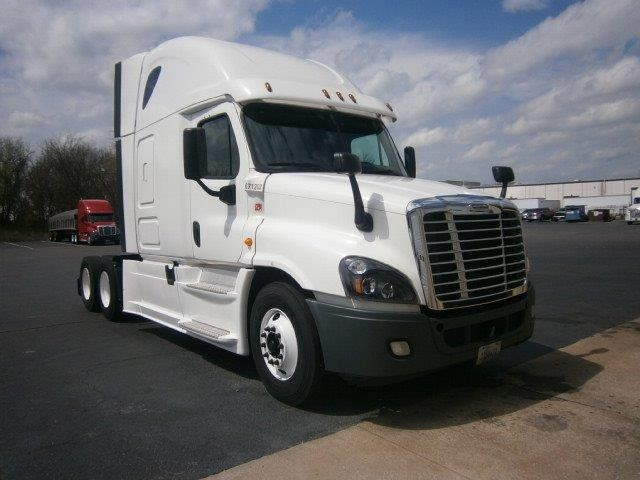 Sleeper Tractor-Heavy Duty Tractors-Freightliner-2014-Cascadia 12564ST-LOWELL-AR-558,483 miles-$51,500