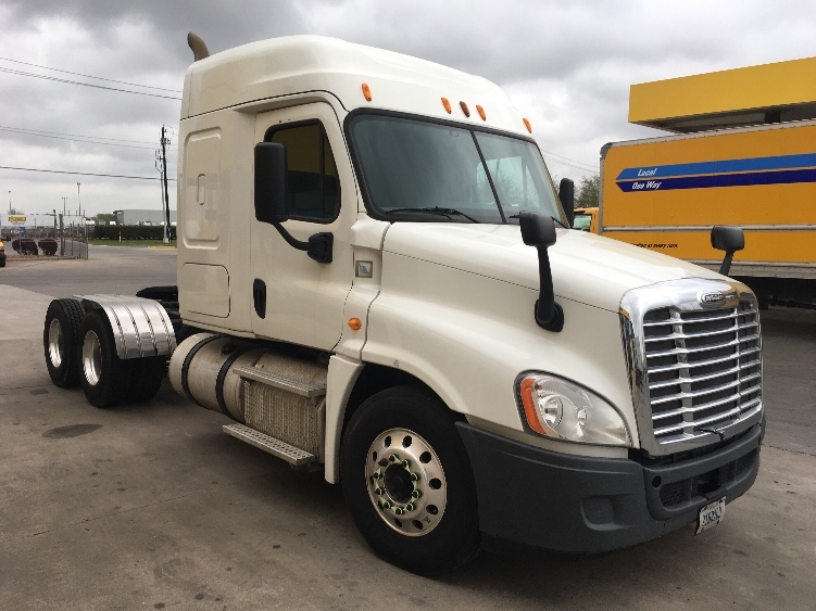 Sleeper Tractor-Heavy Duty Tractors-Freightliner-2014-Cascadia 12564ST-HOUSTON-TX-307,331 miles-$56,000