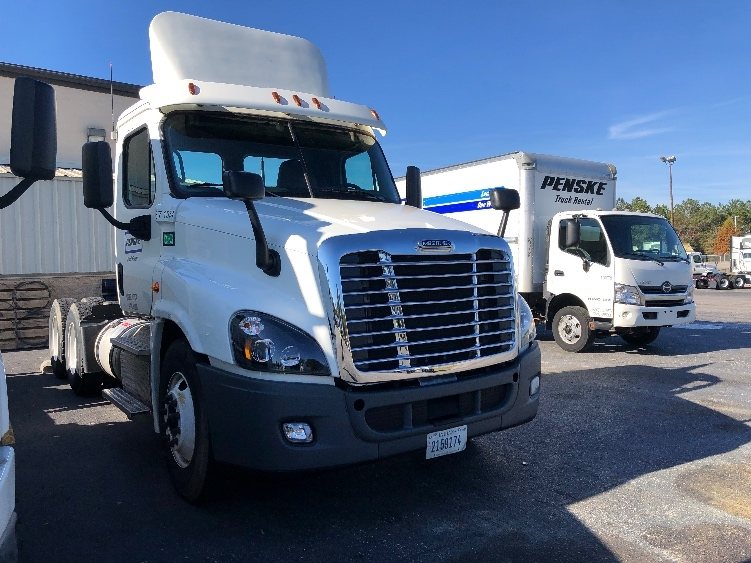 Day Cab Tractor-Heavy Duty Tractors-Freightliner-2014-Cascadia 12564ST-WEST COLUMBIA-SC-535,000 miles-$32,500