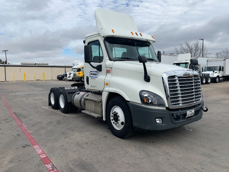 Day Cab Tractor-Heavy Duty Tractors-Freightliner-2014-Cascadia 12564ST-CARROLLTON-TX-191,607 miles-$64,000