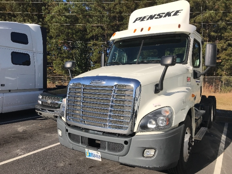 Day Cab Tractor-Heavy Duty Tractors-Freightliner-2014-Cascadia 12564ST-NEWNAN-GA-211,190 miles-$56,750