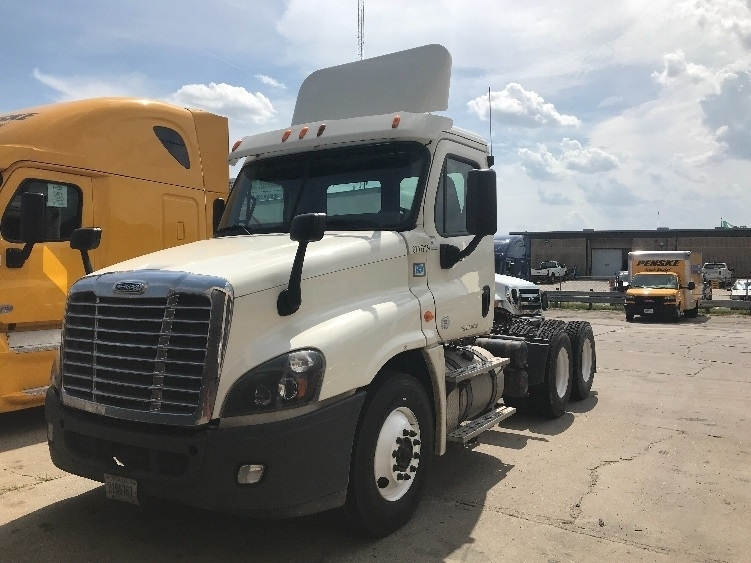 Day Cab Tractor-Heavy Duty Tractors-Freightliner-2014-Cascadia 12564ST-OMAHA-NE-524,393 miles-$38,250