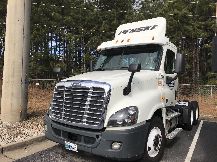 Day Cab Tractor-Heavy Duty Tractors-Freightliner-2014-Cascadia 12564ST-NEWNAN-GA-278,600 miles-$47,500