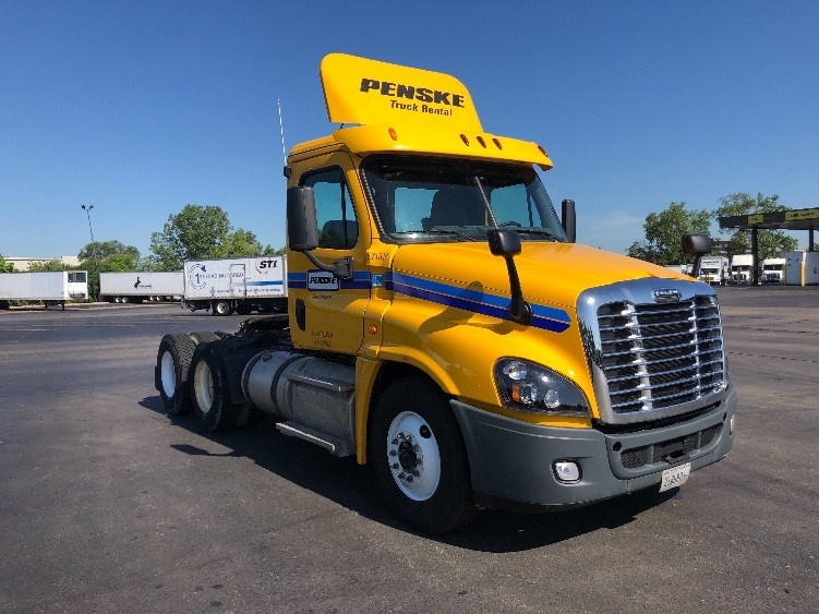 Day Cab Tractor-Heavy Duty Tractors-Freightliner-2014-Cascadia 12564ST-FRANKLIN PARK-IL-415,162 miles-$26,000