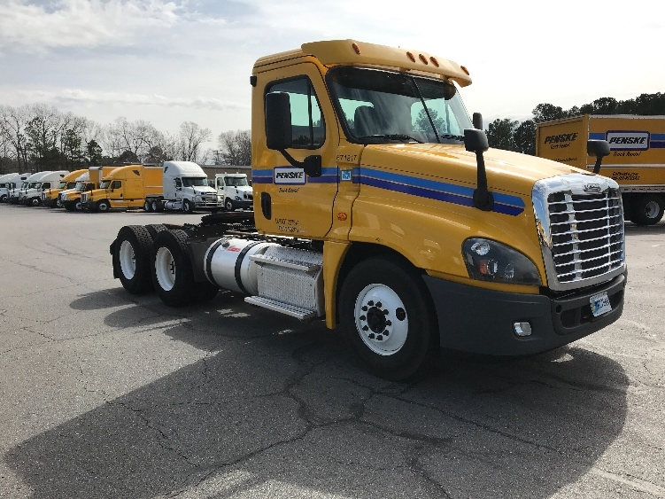 Day Cab Tractor-Heavy Duty Tractors-Freightliner-2014-Cascadia 12564ST-LITTLE ROCK-AR-359,495 miles-$42,750