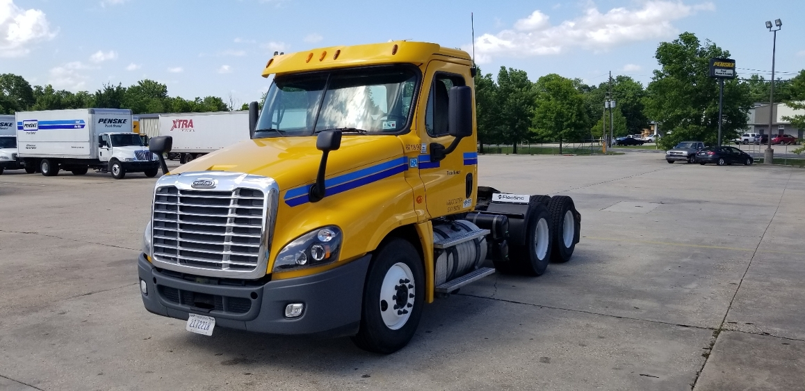 Day Cab Tractor-Heavy Duty Tractors-Freightliner-2014-Cascadia 12564ST-HAMMOND-LA-289,659 miles-$43,500