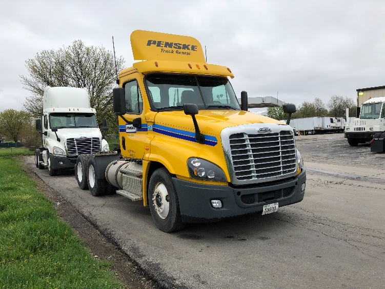 Day Cab Tractor-Heavy Duty Tractors-Freightliner-2014-Cascadia 12564ST-LAS VEGAS-NV-457,248 miles-$34,500