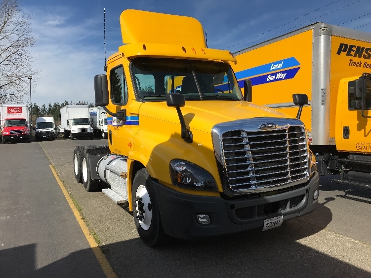 Day Cab Tractor-Heavy Duty Tractors-Freightliner-2014-Cascadia 12564ST-WILSONVILLE-OR-256,906 miles-$44,750