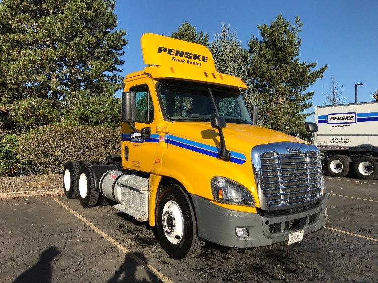 Day Cab Tractor-Heavy Duty Tractors-Freightliner-2014-Cascadia 12564ST-PORTLAND-OR-320,560 miles-$57,750