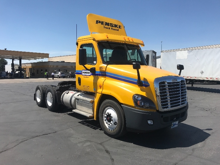 Day Cab Tractor-Heavy Duty Tractors-Freightliner-2014-Cascadia 12564ST-WEST VALLEY CITY-UT-284,070 miles-$44,250