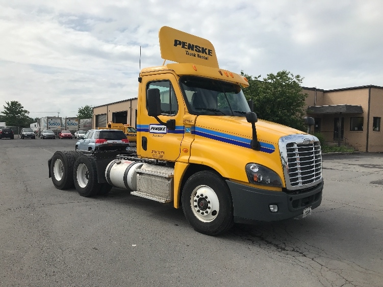 Day Cab Tractor-Heavy Duty Tractors-Freightliner-2014-Cascadia 12564ST-GANSEVOORT-NY-281,983 miles-$38,750