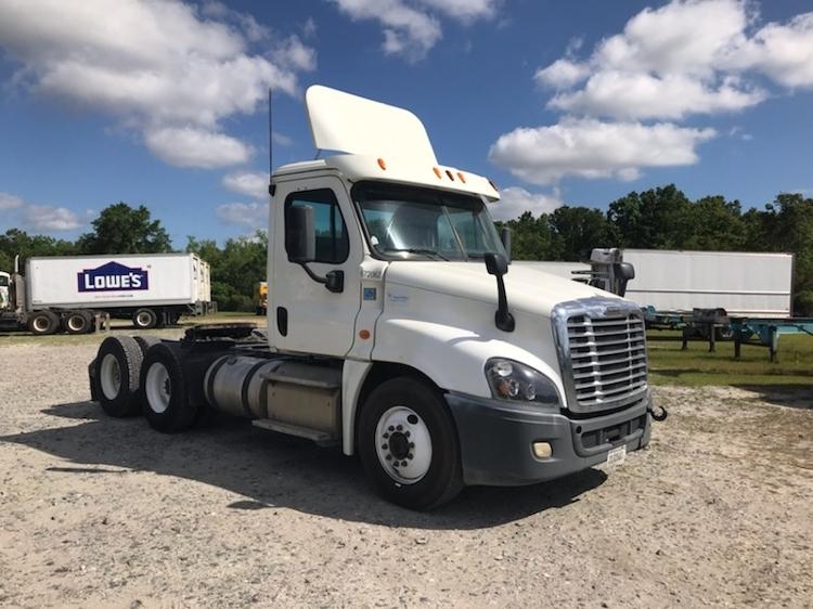 Day Cab Tractor-Heavy Duty Tractors-Freightliner-2014-Cascadia 12564ST-GARDEN CITY-GA-250,812 miles-$52,250