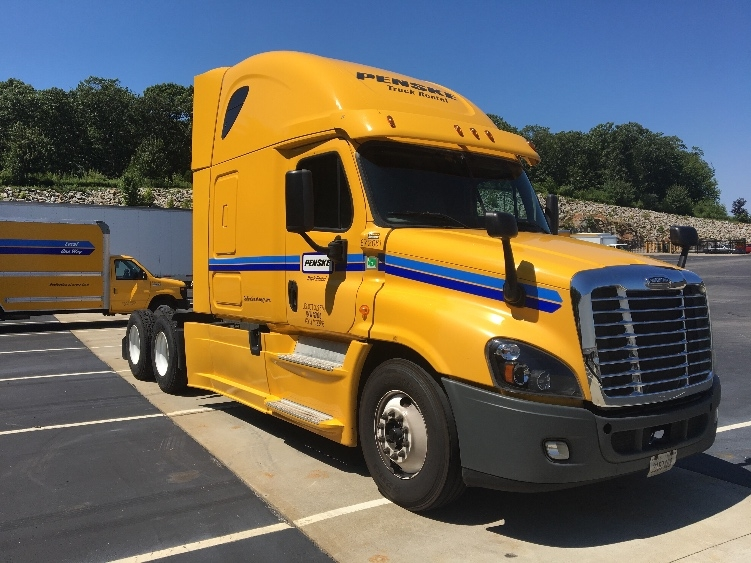 Sleeper Tractor-Heavy Duty Tractors-Freightliner-2014-Cascadia 12564ST-CRANSTON-RI-509,522 miles-$55,250