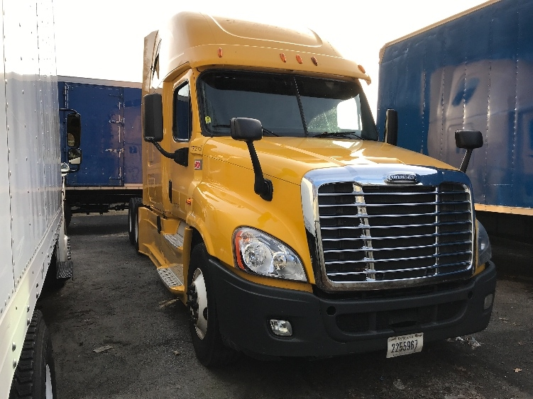 Sleeper Tractor-Heavy Duty Tractors-Freightliner-2014-Cascadia 12564ST-LONDONDERRY-NH-544,922 miles-$18,000