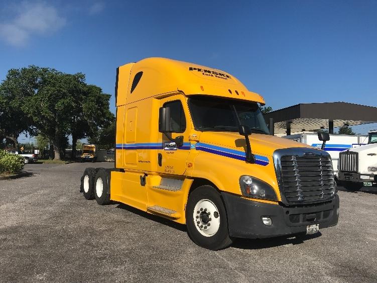 Sleeper Tractor-Heavy Duty Tractors-Freightliner-2014-Cascadia 12564ST-MOBILE-AL-511,892 miles-$36,000