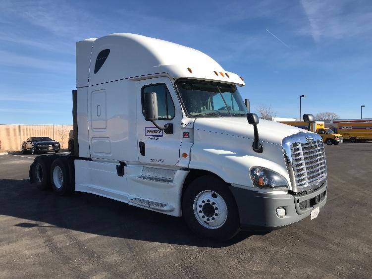 Sleeper Tractor-Heavy Duty Tractors-Freightliner-2014-Cascadia 12564ST-LOVELAND-CO-586,985 miles-$32,250