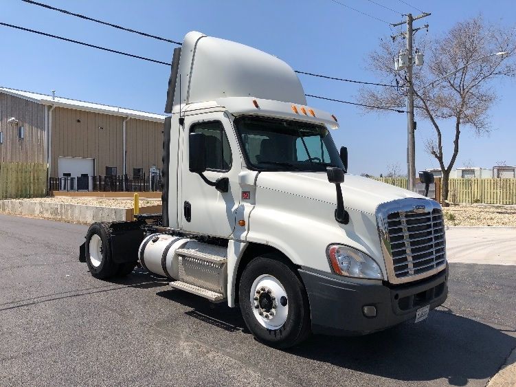 Day Cab Tractor-Heavy Duty Tractors-Freightliner-2014-Cascadia 12542ST-DAVENPORT-IA-532,363 miles-$33,500